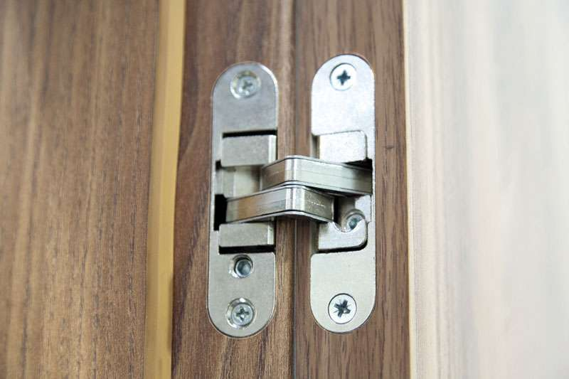 приховані петлі в дверях